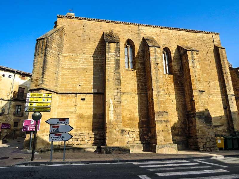 San Martín de Unx: Iglesia de Santa María del Pópolo.
