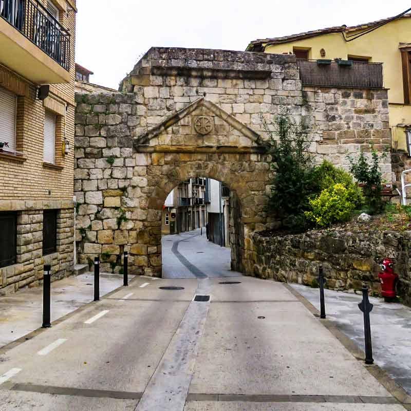 Estella: Puerta de San Nicolás.