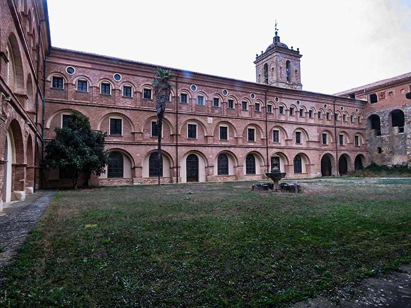 Estella: Monasterio de Santa María La Real de Irache:.