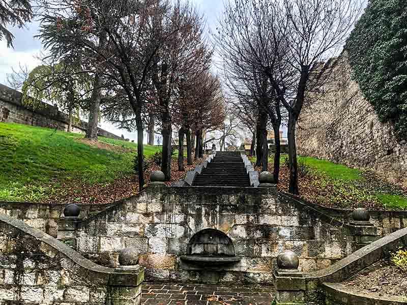 Turismo en Pamplona: Ruta de Las Murallas.