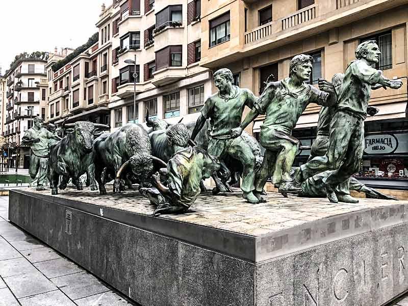 Pamplona y alrededores: Monumento al encierro.